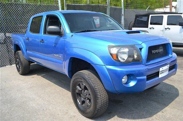2005 TOYOTA TACOMA V6 4DR DOUBLE CAB 4WD SB speedway blue this 2005 toyota tacoma - 4x4 truck wi