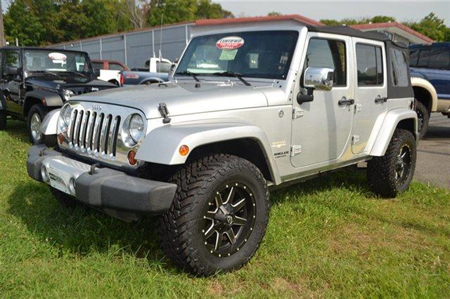 2010 JEEP WRANGLER UNLIMITED SAHARA 4X4 4DR SUV silver value priced below market premium sound