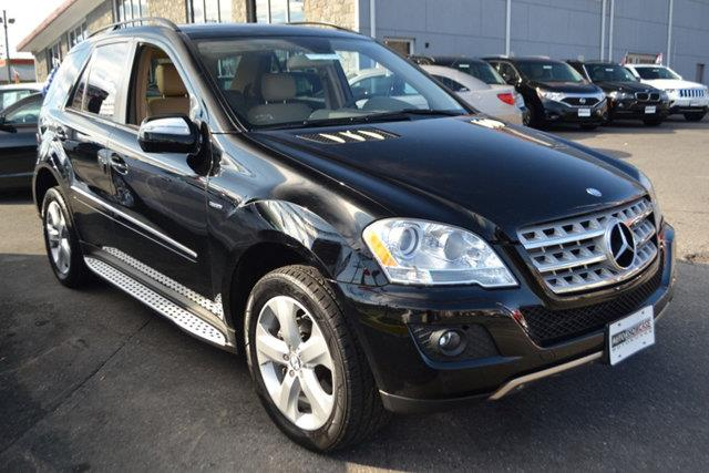 2009 MERCEDES-BENZ M-CLASS ML320 BLUETEC AWD 4MATIC 4DR SUV black this 2009 mercedes-benz m-class