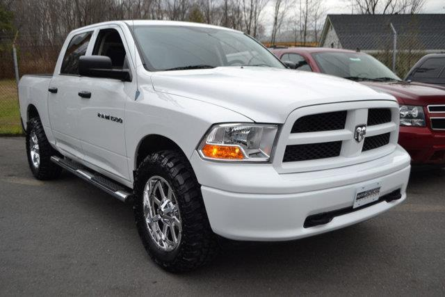 2012 RAM RAM PICKUP 1500 4WD CREW CAB 1405 ST white this 2012 ram 1500 4dr 4wd crew cab 1405 st