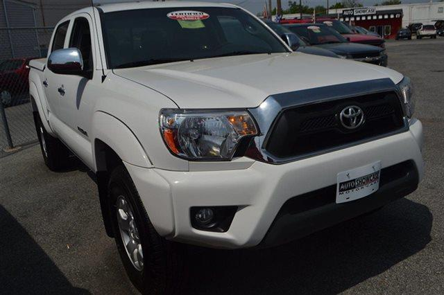 2012 TOYOTA TACOMA V6 4X4 4DR DOUBLE CAB 50 FT SB super white carfax one owner - carfax guarant