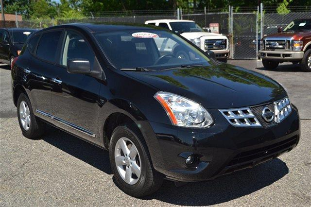 2012 NISSAN ROGUE AWD 4DR S SUV super black this 2012 nissan rogue s will sell fast aux audio in