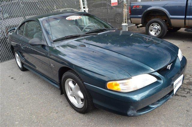 1995 FORD MUSTANG 2DR COUPE GT green this 1995 ford mustang 2dr coupe gt features a 50l 8 cylind