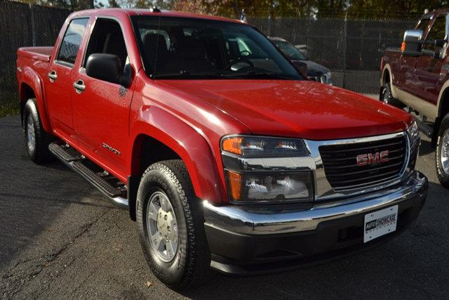 2005 GMC CANYON SLE Z71 CREW CAB 4WD red this 2005 gmc canyon sle z71 crew cab 4wd features a 35