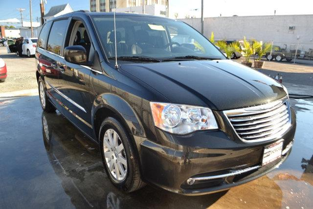 2013 CHRYSLER TOWN AND COUNTRY TOURING 4DR MINI VAN black this 2013 chrysler town  country 4dr 4