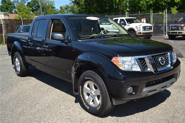 2012 NISSAN FRONTIER 4WD CREW CAB LWB AUTOMATIC SV super black low miles this 2012 nissan fron