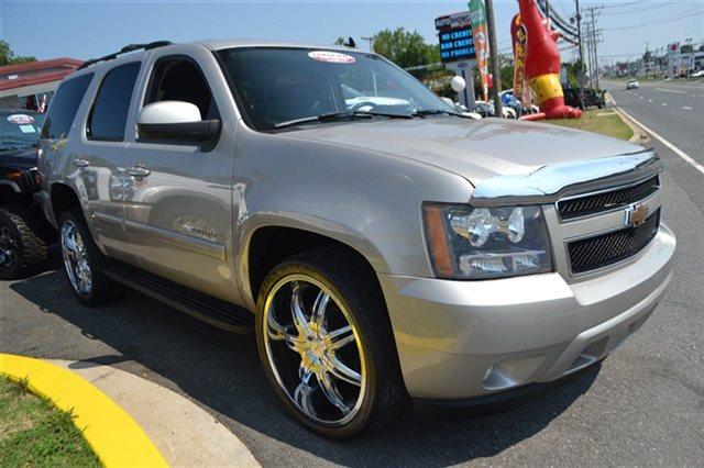 2007 CHEVROLET TAHOE - gold mist metallic new arrival 4wd this 2007 chevrolet tahoe lt will s