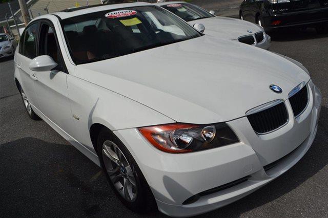 2008 BMW 3 SERIES 328I 4DR SEDAN alpine white low miles this 2008 bmw 3 se