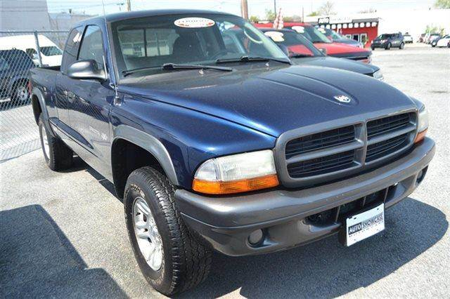 2002 DODGE DAKOTA - 4X4 TRUCK patriot blue pearl value priced below market this 2002 dodge dak