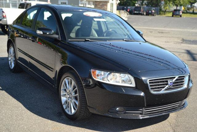 2010 VOLVO S40 24I 4DR SEDAN black this 2010 volvo s40 4dr 24i features a 24l 5 cylinder 5cyl