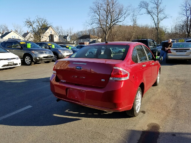 2010 Ford Focus SE 4dr Sedan - Indian Orchard MA
