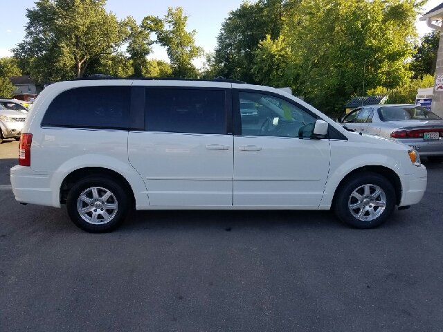 2008 Chrysler Town and Country Touring 4dr Mini-Van - Indian Orchard MA