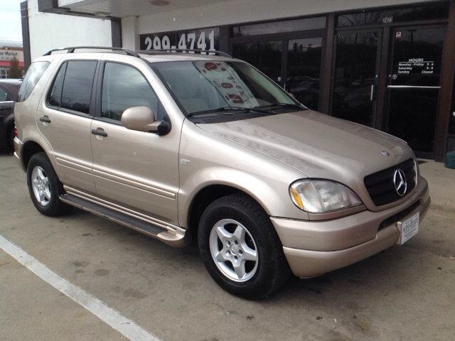 2001 mercedes benz m class ml320 awd 4matic 4dr suv in des for Mercedes benz suv 2001