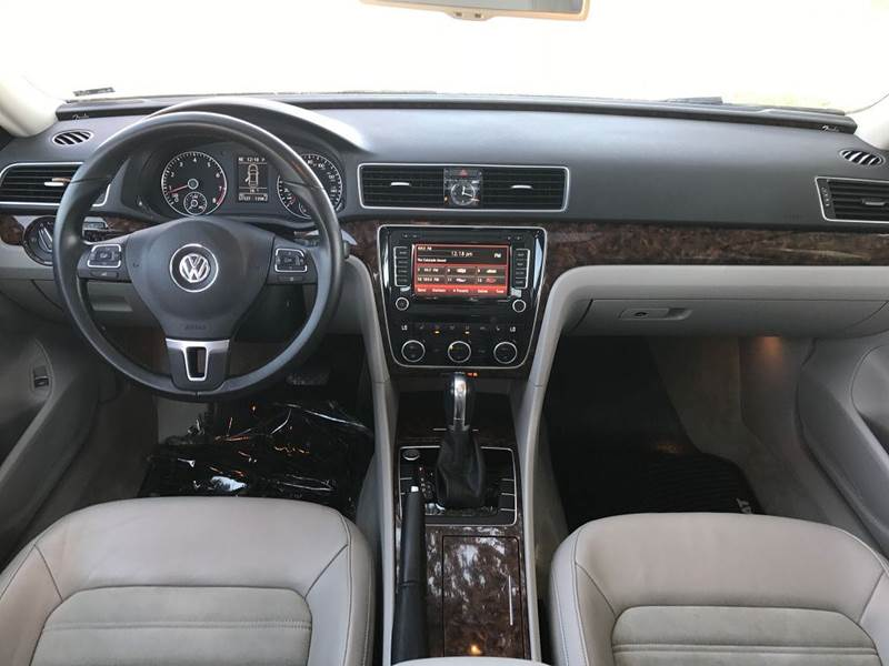 2012 Volkswagen Passat V6 SEL Premium 4dr Sedan - Fort Collins CO