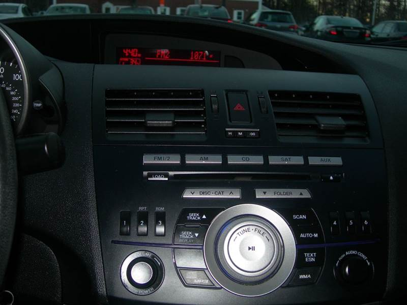 2011 Mazda MAZDA3  - North Dartmouth MA