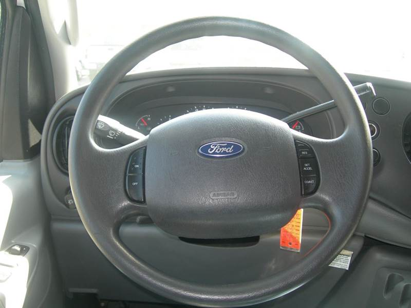 2008 Ford E-Series Wagon  - North Dartmouth MA