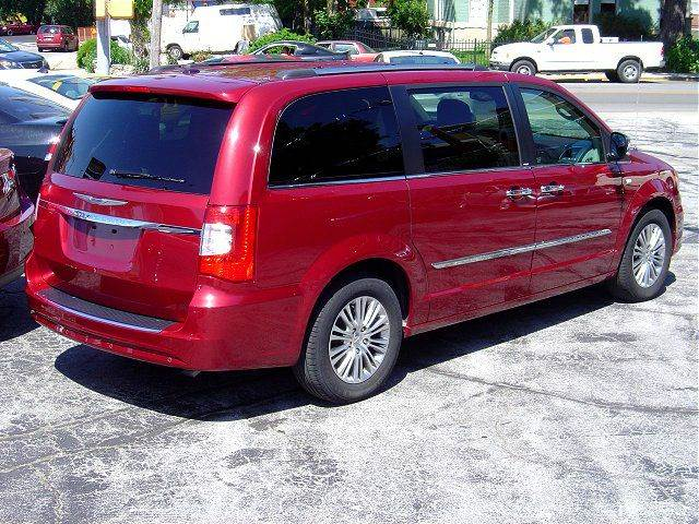 2014 Chrysler Town and Country 30th Anniversary 4dr Mini-Van - Huntington IN