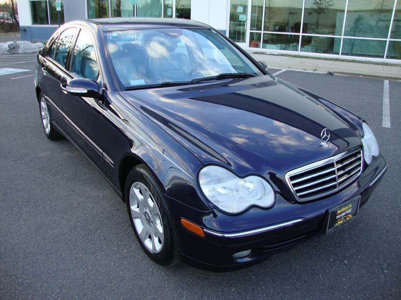 2004 mercedes benz c class c230 kompressor 4dr sedan in for Mercedes benz chantilly service