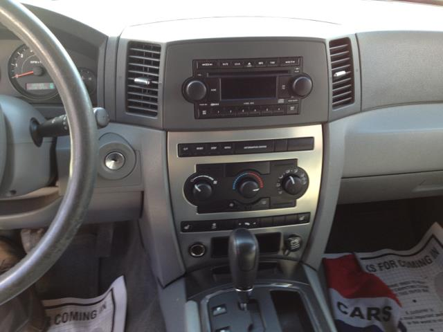 2005 Jeep Grand Cherokee Laredo 4WD - Fort Lee NJ