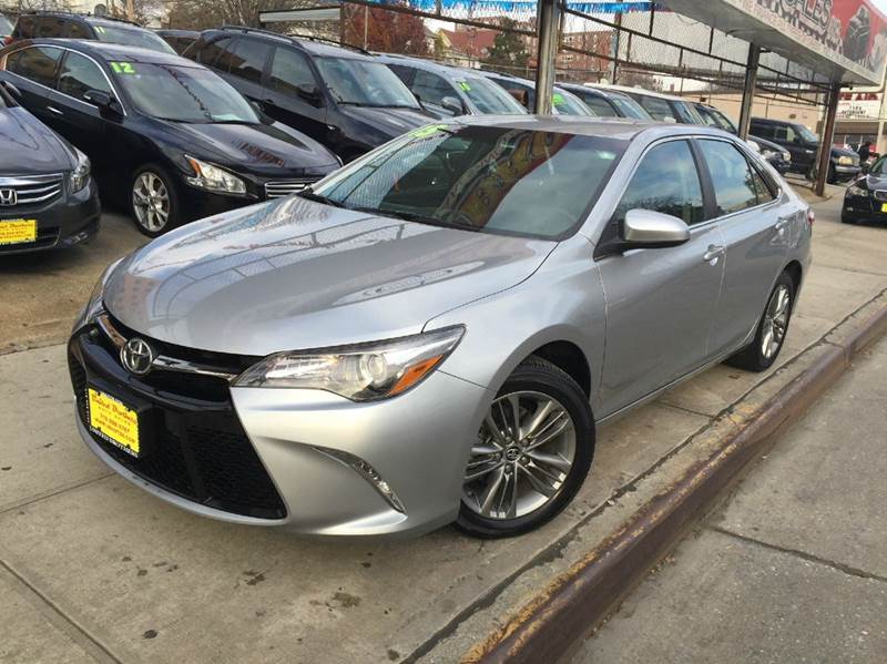 2015 toyota camry se sedan in jamaica ny united brothers. Black Bedroom Furniture Sets. Home Design Ideas
