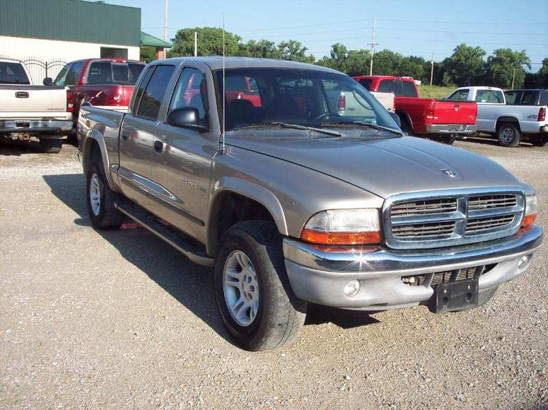 2002 Dodge Dakota 4dr Quad Cab SLT 4WD SB - Manhattan KS