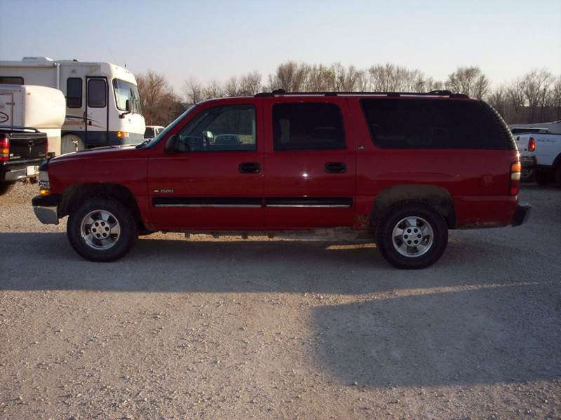 2000 Chevrolet Suburban 4dr 1500 LT 4WD SUV - Manhattan KS