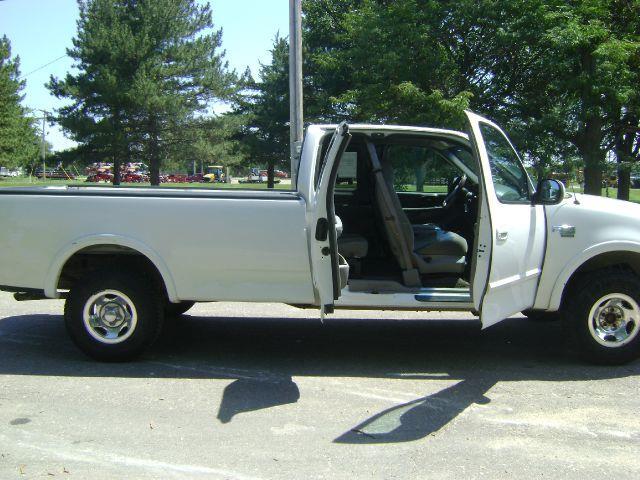 1999 Ford F-150 XL SuperCab Long Bed 4WD - Manhattan KS