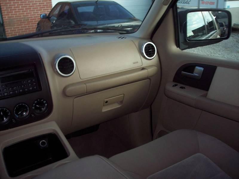 2003 Ford Expedition XLT 4WD 4dr SUV - Manhattan KS