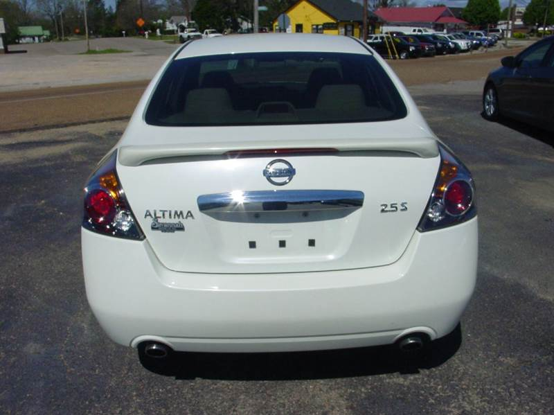 2011 Nissan Altima 2.5 S 4dr Sedan - Savannah TN