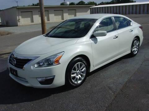 2015 Nissan Altima for sale in Savannah, TN