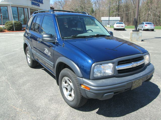 2004 chevrolet tracker for sale in easthampton ma. Black Bedroom Furniture Sets. Home Design Ideas