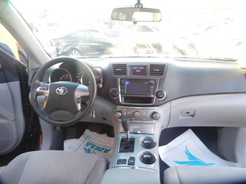 2013 Toyota Highlander 4dr SUV (2.7L l4) - Denver CO
