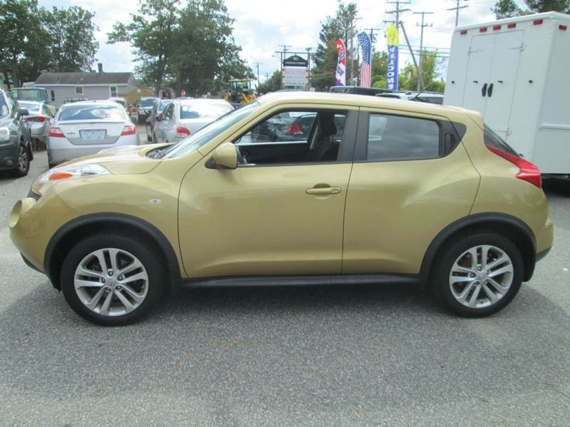 2013 Nissan JUKE S AWD 4dr Crossover