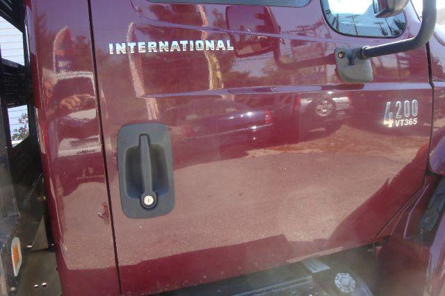 2003 International 4200