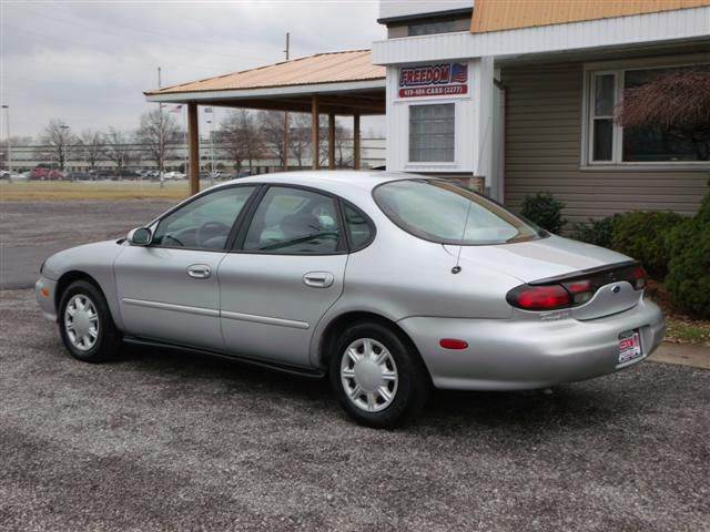 1998 ford taurus se 4dr sedan in bellevue oh freedom. Black Bedroom Furniture Sets. Home Design Ideas