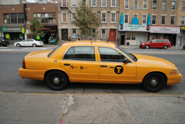 Purchase Used 2009 Ford Crown Victoria Nyc Yellow Cab Taxi