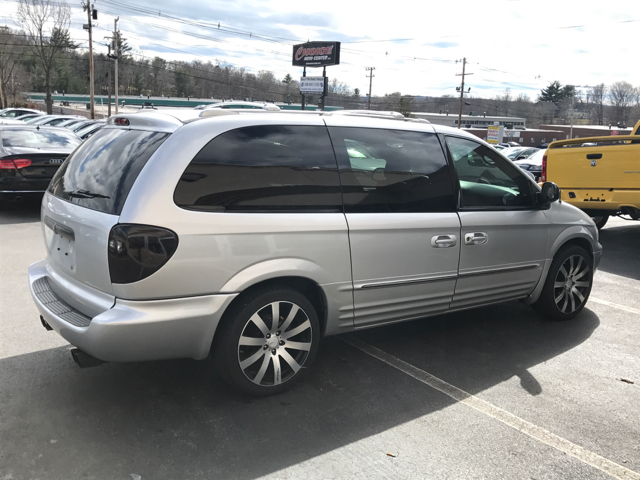 2002 Chrysler Town and Country Limited 4dr Extended Mini Van - Shrewsbury MA