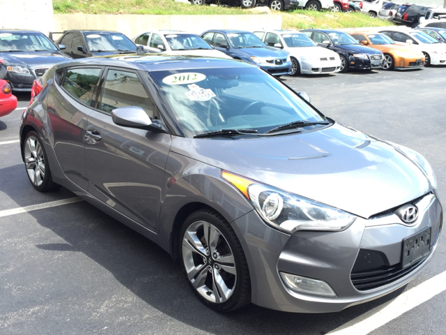 2012 Hyundai Veloster Base 3dr Coupe DCT w/Black Seats - Shrewsbury MA
