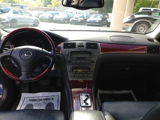 2004 Lexus ES 330 Base 4dr Sedan - Shrewsbury MA
