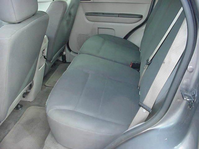 2011 Ford Escape XLS 4dr SUV - Gladstone OR