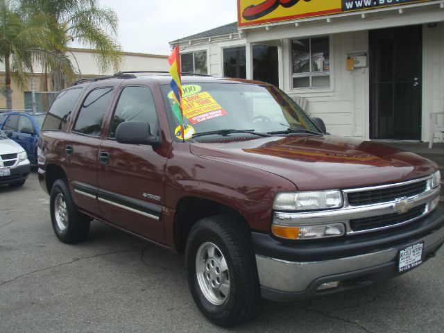 2000 CHEVROLET TAHOE 4WD maroon slashing prices  cash only sale5999ever popular chevy t