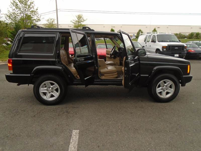 2000 Jeep Grand Wagoneer Limited Edition - Chantilly VA