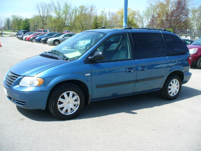 2005 chrysler town and country signature series 4dr. Black Bedroom Furniture Sets. Home Design Ideas