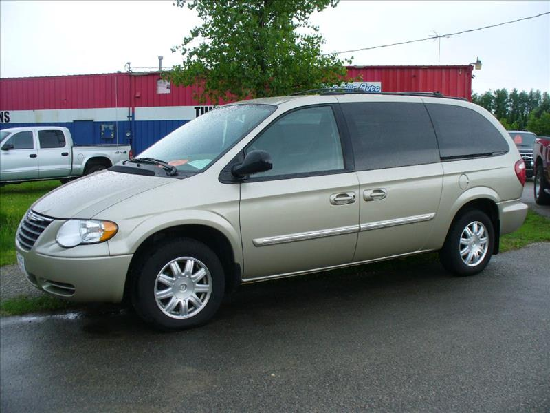 2005 chrysler town and country touring 4dr ext minivan in. Black Bedroom Furniture Sets. Home Design Ideas