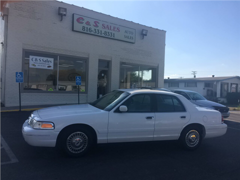 2000 Ford Crown Victoria for sale in Belton, MO