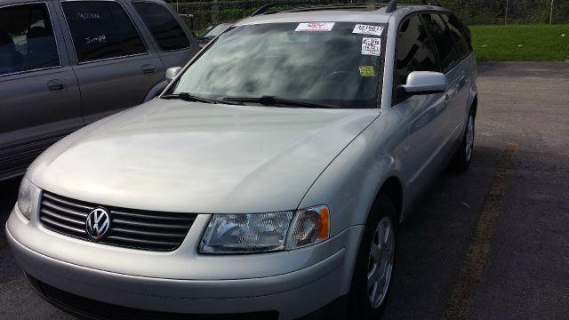 2000 Volkswagen Passat for sale in POMPANO BEACH FL