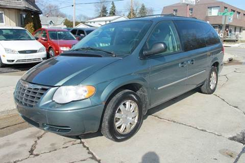 2005 Chrysler Town and Country for sale in Sheboygan, WI