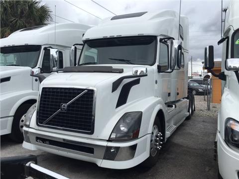 2012 Volvo 780 for sale in Orlando, FL