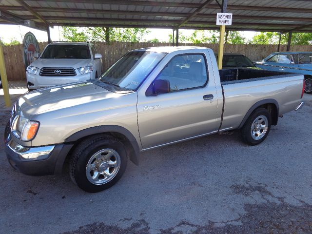2000 nissan frontier for Trophy motors new braunfels