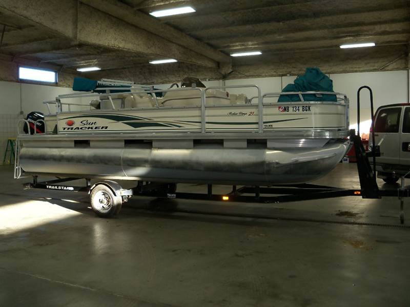 2006 SUNTRACKER FISH BARGE